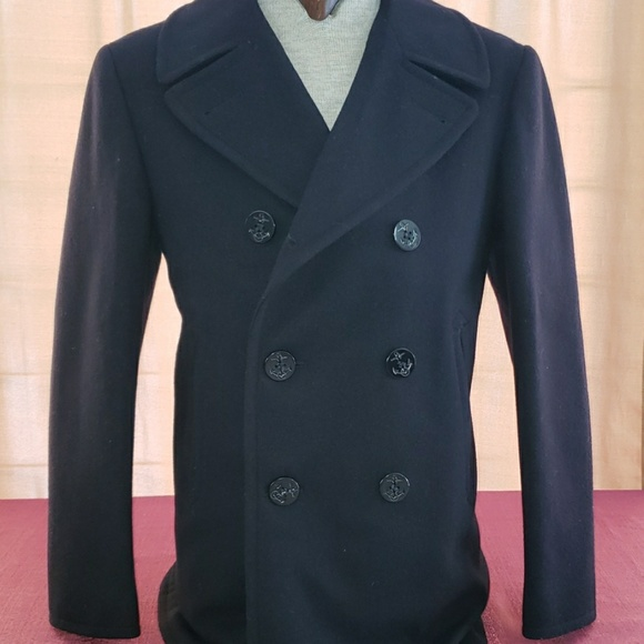 new release new arrival agreatvarietyofmodels VINTAGE authentic wool peacoat size 38R